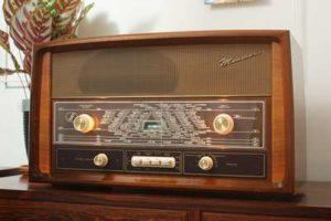 ラジオ本放送の日